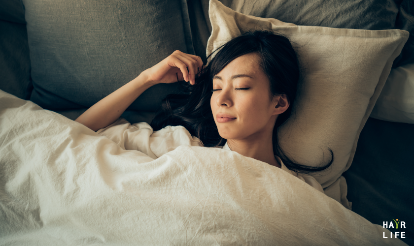 睡眠時分泌的生長激素能幫助生髮
